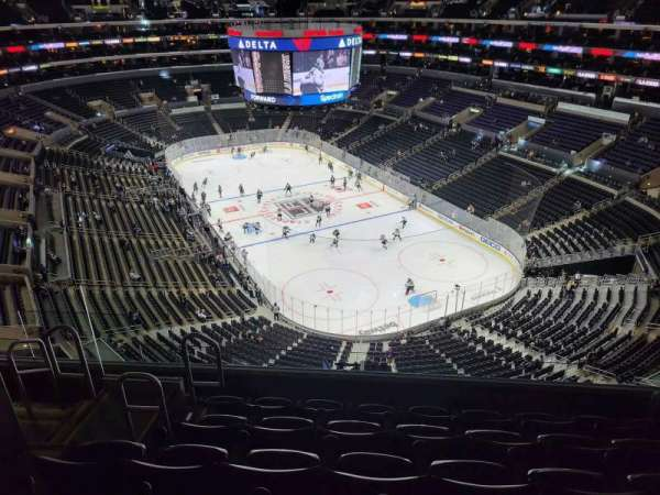 Staples Center, Bereich: 329, Reihe: 8, Platz: 9