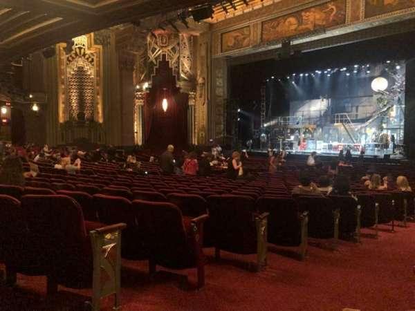 Hollywood Pantages Theatre, Abschnitt: Orchestra R, Reihe: QQ, Platz: 2