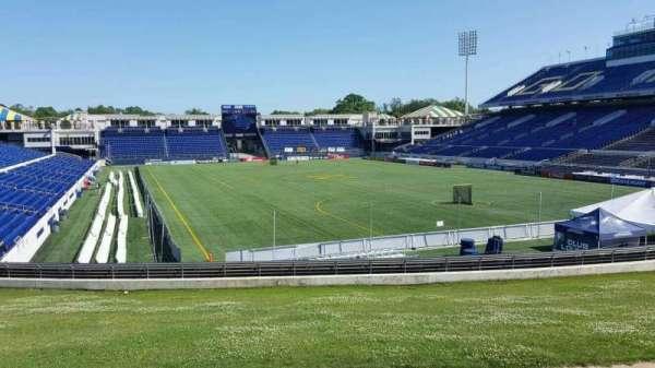 Navy-Marine Corps Memorial Stadium, Abschnitt: D, Reihe: 5, Platz: 12