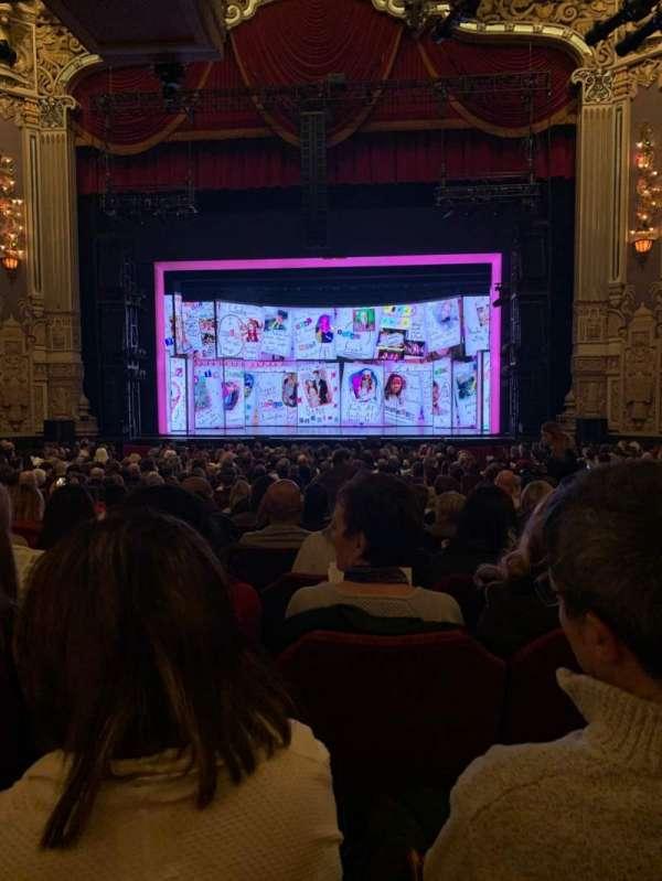 James M. Nederlander Theatre, Abschnitt: Orchestra C, Reihe: W, Platz: 113