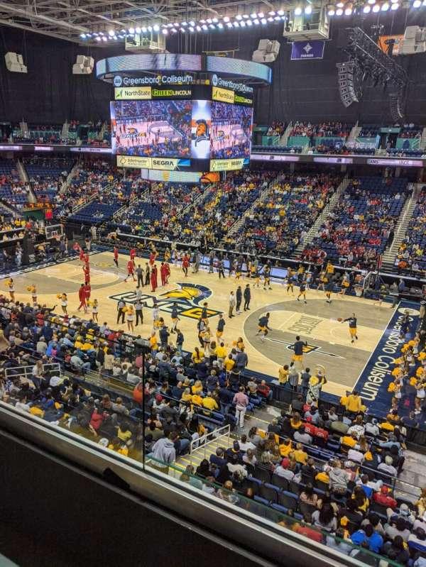 Greensboro Coliseum, Abschnitt: 214, Reihe: A, Platz: 5