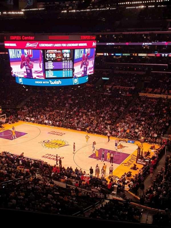 Staples Center, Abschnitt: Suite C5, Reihe: GA, Platz: 3