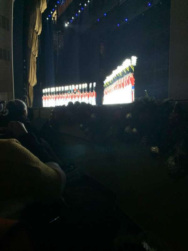 Radio City Music Hall, Abschnitt: Orchestra 2, Reihe: DD, Platz: 201