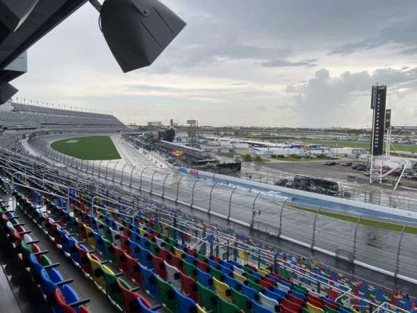 Daytona International Speedway, Abschnitt: 174, Reihe: 37, Platz: 26