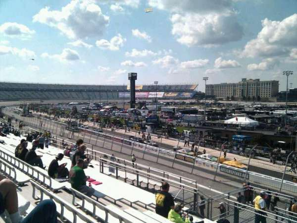 Dover International Speedway, Abschnitt: 240, Reihe: 30, Platz: 9