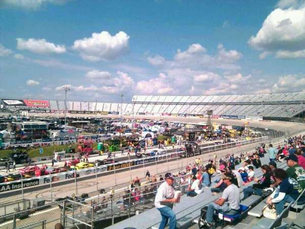 Dover International Speedway, Abschnitt: 100, Reihe: 30, Platz: 9