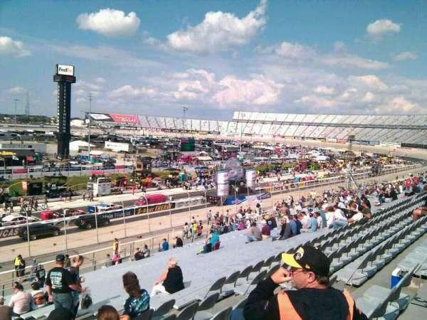 Dover International Speedway, Abschnitt: 105, Reihe: 30, Platz: 9