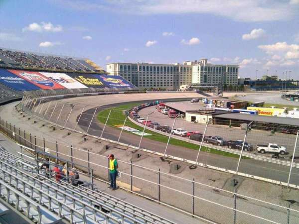 Dover International Speedway, Abschnitt: 132, Reihe: 14, Platz: 9