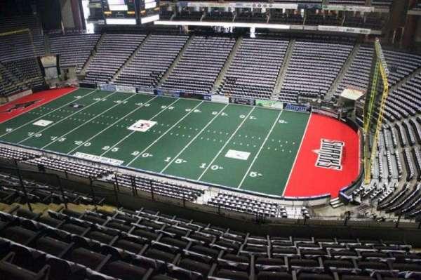 VyStar Veterans Memorial Arena, Abschnitt: 318, Reihe: G, Platz: 7