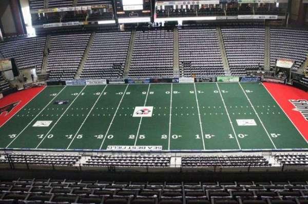 VyStar Veterans Memorial Arena, Abschnitt: 320, Reihe: F, Platz: 8
