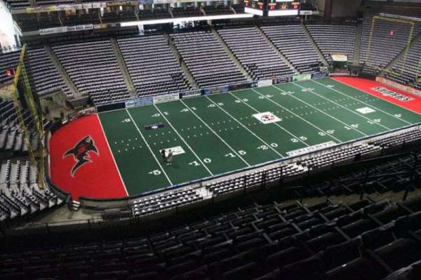 VyStar Veterans Memorial Arena, Abschnitt: 323, Reihe: K, Platz: 9