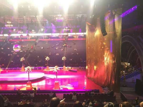 Manchester Arena, Abschnitt: 115, Reihe: T, Platz: 8