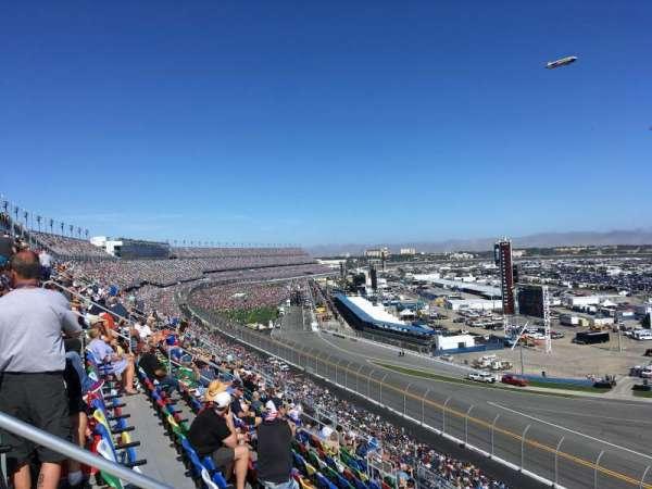 Daytona International Speedway, Abschnitt: 391, Reihe: 17, Platz: 15