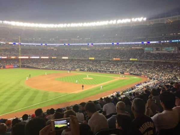 Yankee Stadium, Abschnitt: 229, Reihe: 10, Platz: 5