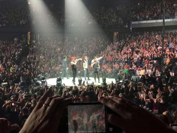 Allstate Arena, Abschnitt: 101, Reihe: D, Platz: 7