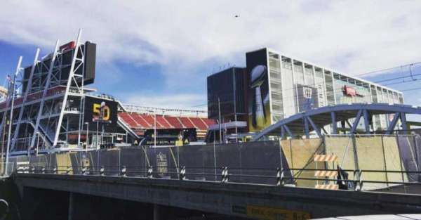 Levi's Stadium, Abschnitt: Outside