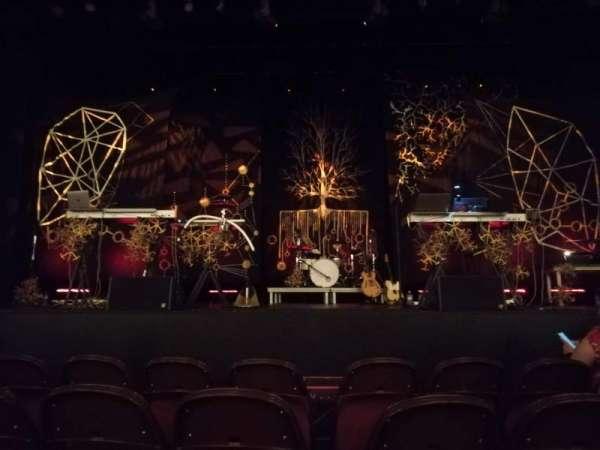 Lincoln Theatre, Abschnitt: Center Orchestra A-L, Reihe: B, Platz: 105