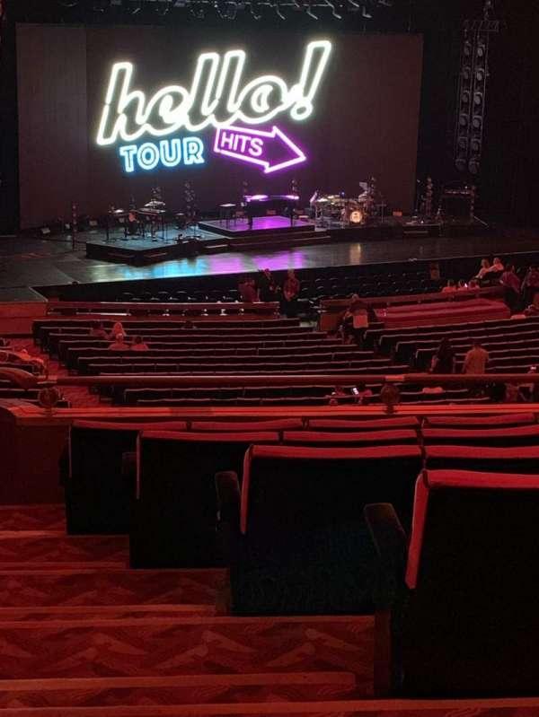 Radio City Music Hall, Abschnitt: 1st Mezzanine 7, Reihe: G, Platz: 701