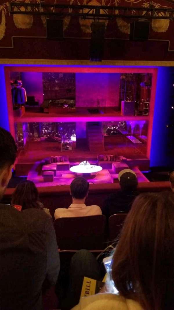 Booth Theatre, Abschnitt: Mezz, Reihe: D, Platz: 104