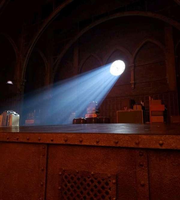 Lyric Theatre, Abschnitt: Orch, Reihe: A, Platz: 18