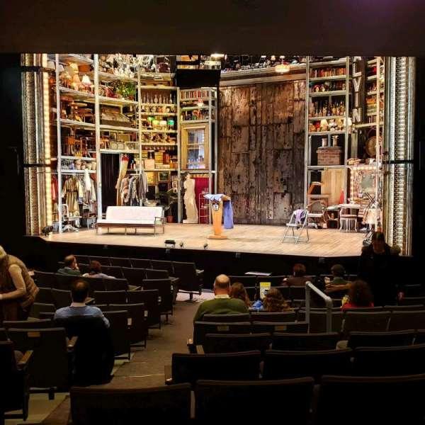 Laura Pels Theatre, Abschnitt: Orch, Reihe: O, Platz: 8