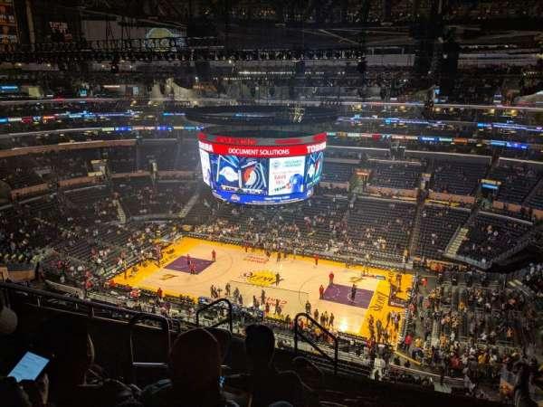 Staples Center, Abschnitt: 333, Reihe: 8, Platz: 15