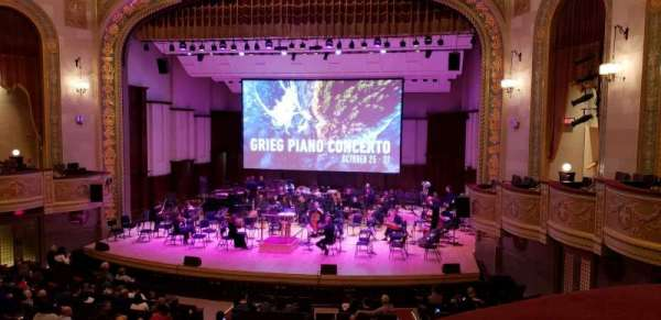 Orchestra Hall, Abschnitt: Box Center, Reihe: J, Platz: 7