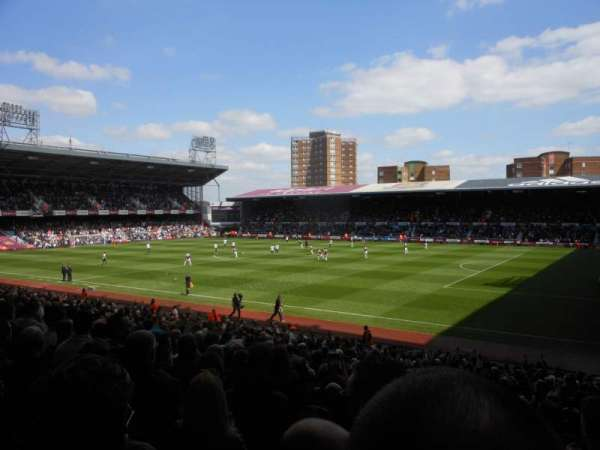 Boleyn Ground, Abschnitt: Block AL4, Reihe: CC, Platz: 74