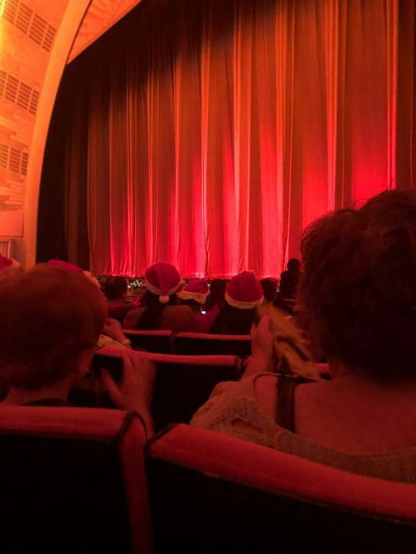 Radio City Music Hall, Abschnitt: Orchestra 2, Reihe: LL, Platz: 206