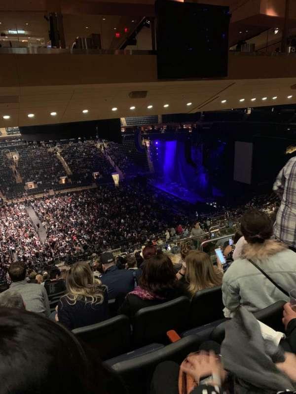 Madison Square Garden, Abschnitt: 210, Reihe: 17, Platz: 10