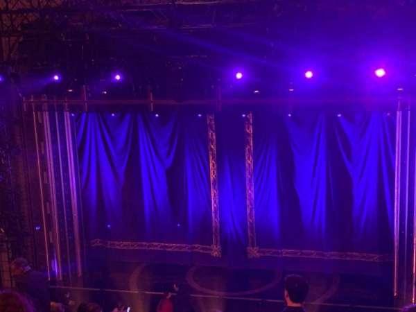Brooks Atkinson Theatre, Abschnitt: Rear Mezzanine RC, Reihe: L, Platz: 106