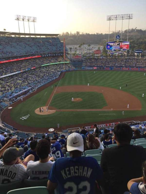 Dodger Stadium, Abschnitt: 10RS, Reihe: S, Platz: 13