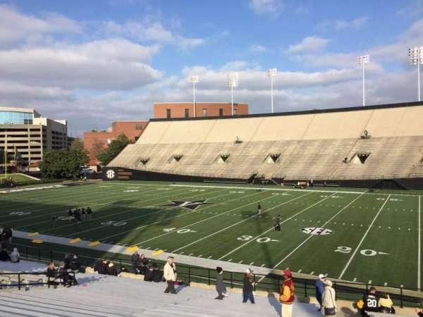 Vanderbilt Stadium, Bereich: F, Reihe: 30, Platz: 24