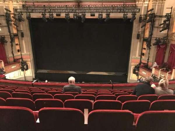 Neil Simon Theatre, Abschnitt: MEZZC, Reihe: J, Platz: 118 And 119