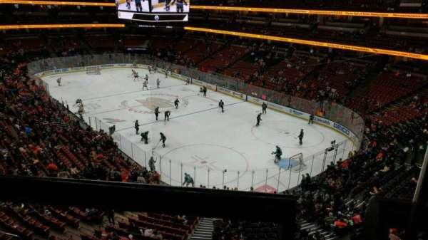 Honda Center, Abschnitt: 405, Reihe: A, Platz: 1