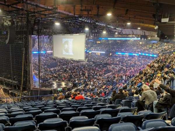 Allstate Arena, Abschnitt: 205, Reihe: P, Platz: 25