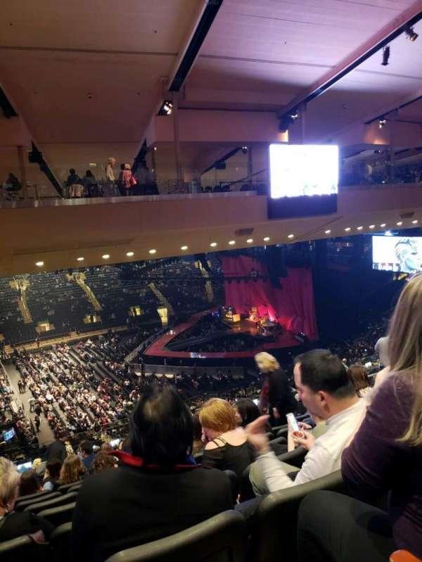 Madison Square Garden, Abschnitt: 210, Reihe: 10, Platz: 5