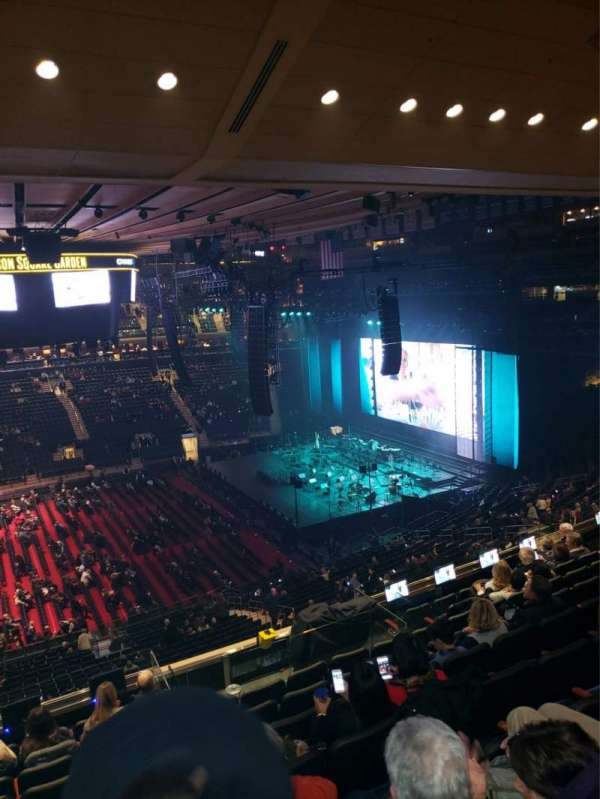 Madison Square Garden, Abschnitt: 211, Reihe: 10, Platz: 1