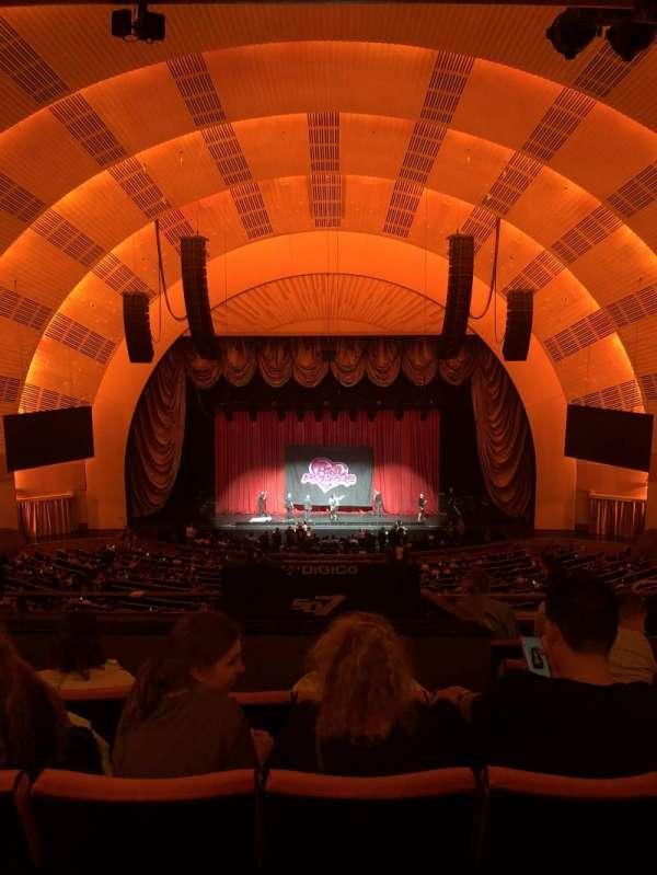 Radio City Music Hall, Abschnitt: 2nd Mezzanine 4, Reihe: F, Platz: 405
