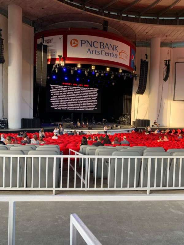 PNC Bank Arts Center, Abschnitt: 203, Reihe: 34, Platz: 6