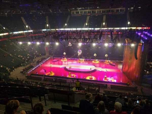 Manchester Arena, Abschnitt: 215, Reihe: m, Platz: 5
