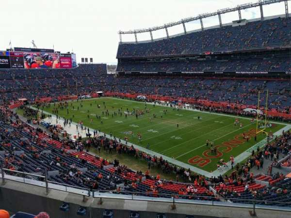 Empower Field at Mile High Stadium, Abschnitt: 329, Reihe: 5, Platz: 9