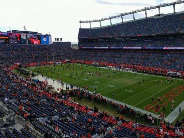 Empower Field at Mile High Stadium, Abschnitt: 330, Reihe: 1, Platz: 7