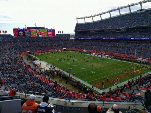Empower Field at Mile High Stadium, Abschnitt: 328, Reihe: 6, Platz: 9