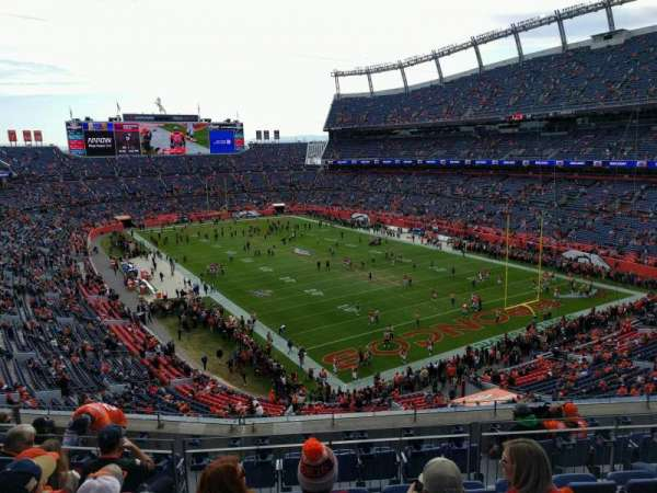 Empower Field at Mile High Stadium, Abschnitt: 327, Reihe: 9, Platz: 9