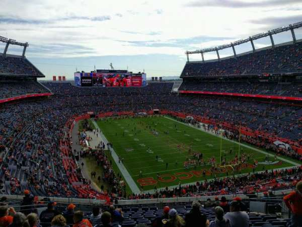 Empower Field at Mile High Stadium, Abschnitt: 326, Reihe: 17, Platz: 13