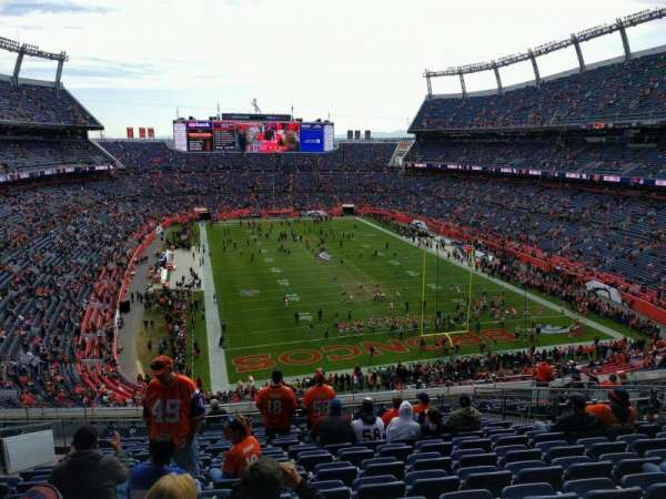 Empower Field at Mile High Stadium, Abschnitt: 326, Reihe: 16, Platz: 15
