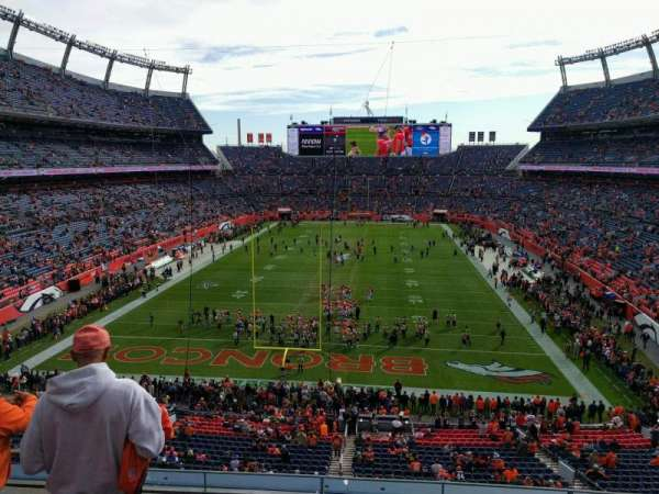 Empower Field at Mile High Stadium, Abschnitt: 323, Reihe: 4, Platz: 19