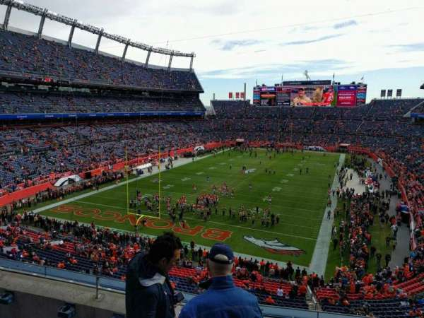 Empower Field at Mile High Stadium, Abschnitt: 321, Reihe: 4, Platz: 3