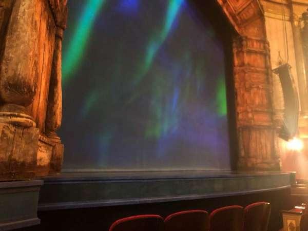 St. James Theatre, Abschnitt: Orchestra L, Reihe: C, Platz: 11